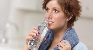 l'eau potable femme