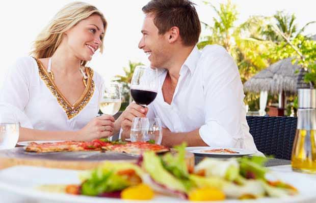 couple manger au restaurant