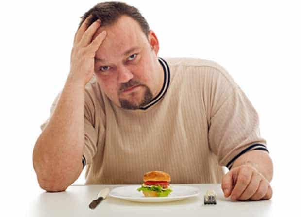 homme sur le régime alimentaire