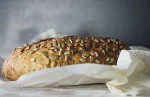 pain aux grains entiers
